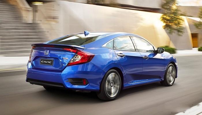 Đuôi xe Honda Civic 2019 có thể nói là khác biệt và đẹp nhất trong phân khúc sedan hạng C