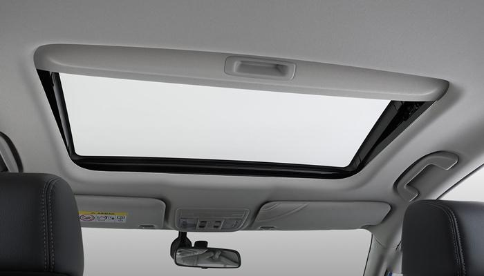 Honda đã thiết kế thêm cửa sổ trời đón gió