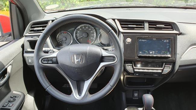 Khoang lái xe Honda 2020