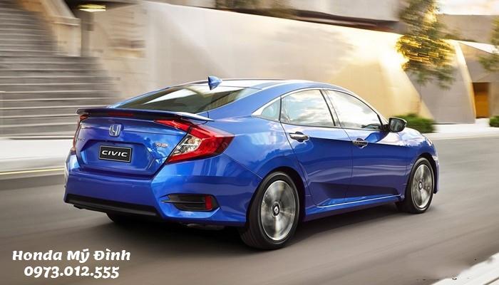 Đuôi xe Honda Civic 2020 có thể nói là khác biệt và đẹp nhất trong phân khúc sedan hạng C