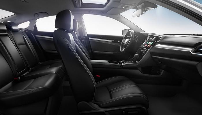 Tổng thể thiết kế nội thất của thế hệ mới Honda Civic 2020 khác xa với người tiền nhiệm