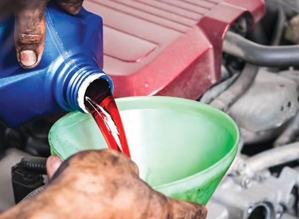 thay dầu hộp số xe ô tô