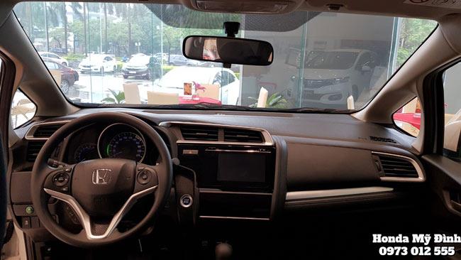 Khoang lái xe Honda Jazz