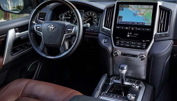Đánh giá nội thất Toyota Land Cruiser 2020