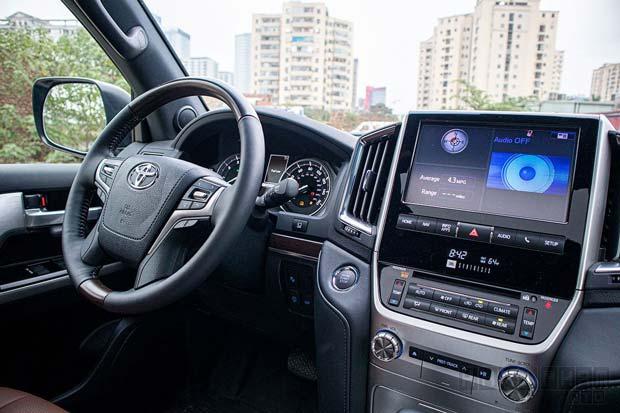 Hệ thống tiện nghi hiện đại Land Cruiser 2020