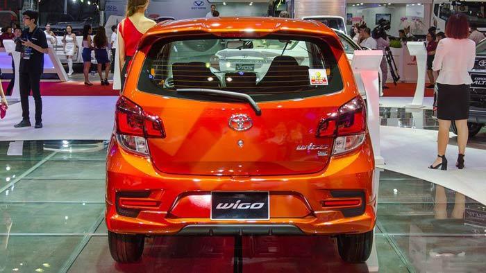 Phần đuôi xe Toyota Wigo 2020