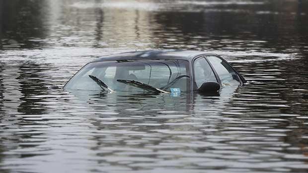 Xe ngập nước thì bị làm sao